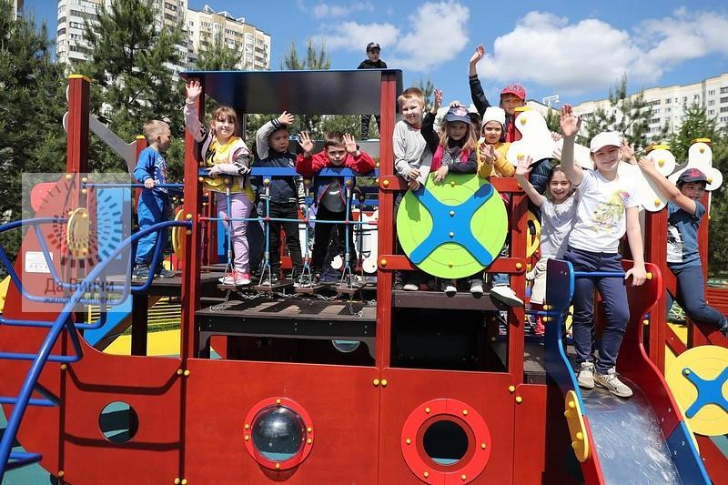 В Трехгорке открыли новую детскую площадку