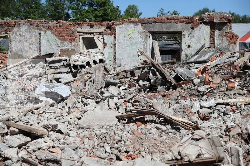 Снос аварийных домов на Нахабинском шоссе в Звенигороде