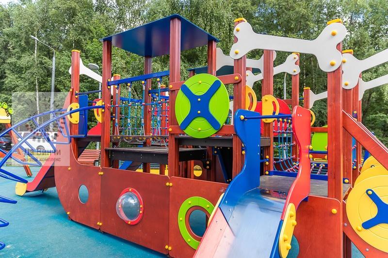 Новая детская площадка в Новой Трехгорке1